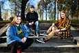 Kolmoset Tiia, Ville ja Kaisa Mäkelä kirjoittivat kaikki ylioppilaiksi.  Heidän matkansa aikuisuuteen on sisältänyt paljon luopumista ja surua. He katsovat kuitenkin toiveikkaasti eteenpäin.