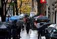 New Yorkin osavaltion kuvernööri Andrew Cuomo syytti perjantaina Yhdysvaltain istuvaa presidenttiä Donald Trumpia koronarokotteella pelottelusta. Kuva New Yorkin kadulta perjantailta.
