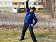 Erityisliikunnanohjaaja Päivi Pirnes on valmis vetämään pieniä parveke- ja muita jumppatuokioita halukkaille.