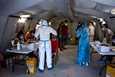 Morian leirillä on todettu yli 30 koronavirustartuntaa Kreikassa. Nyt leirillä on ollut tulipaloja ja tuhansia on evakuoitu.
