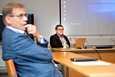 Pirkanmaan koronanyrkkiä johtaa johtajaylilääkäri Juhani Sand (oik.). Lisäksi ryhmään kuuluu muun muassa Tampereen pormestari Lauri Lyly.