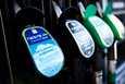 Teknologian tutkimuskeskus, VTT:n mukaan tuet julkisille lataus- ja tankkausasemille ja taloyhtiöiden latausinfralle vähentävät liikenteen päästöjä.