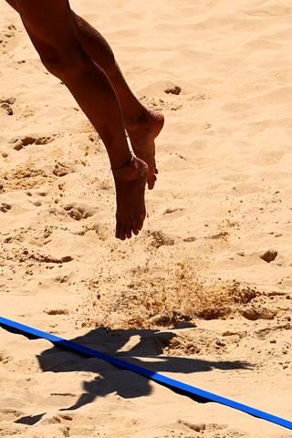 Beach volley -kenttien hiekka on ollut varsinkin harjoituksissa polttavan kuumaa.