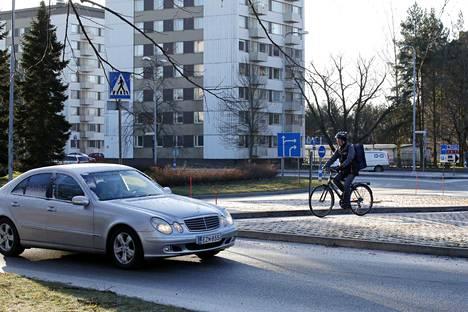 Poliisilaitoksen ympyrä on tunnetusti risteys, jossa sattuu eniten liikenneonnettomuuksia Porissa. Vaarallisin se ei kuitenkaan ole - ei ainakaan siinä tapauksessa, että arvoa annetaan peltivaurioita enemmän hengelle ja terveydelle.