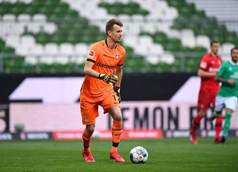 Lukas Hradeckyn ei tarvitse pelata tyhjälle katsomolle lauantaina, vaikkei lehtereille päästetä faneja.