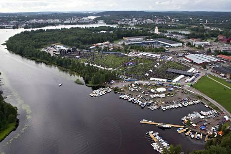 Kantolan tapahtumapuisto on yksi Helsingin ulkopuolisista keikka-areenoista. Avausvuonna 2015 AC/DC veti alueelle 55000 katsojaa. Suuria konsertteja on järjestetty myös muualla Suomessa, esimerkiksi Porin Kirjurinluodossa.