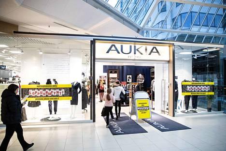 Tampereen Aukia lopettaa, muut Suomen myymälät jatkavat.