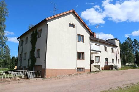 Saintrond Property Oy ostaa Karvian vanhan terveystalon. Kiinteistöyritys uskoo Karvian myönteiseen kehitykseen.