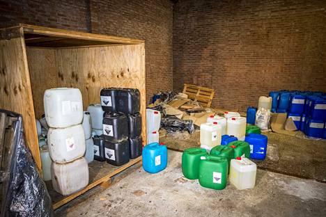 Hollannin poliisi löysi Kerkradesta suuren määrän kemikaaleja, jotka oli tarkoitettu synteettisten huumeiden valmistukseen.