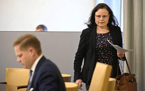 Eduskunnan sosiaali- ja terveysvaliokunnan puheenjohtaja Marku Lohi (kesk.) ja varapuheenjohtaja Mia Laiho (kok.) kuvattiin valiokunnan tiedotustilaisuudessa Helsingissä 12. lokakuuta.