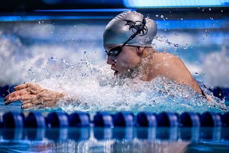 Ida Hulkko kauhoo ennätyksiä uintiliiga ISL:ssä.