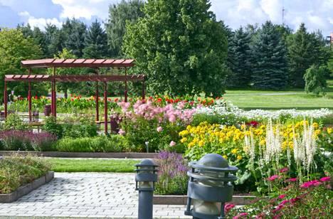 Tiedätkö esimerkiksi tässä kuvassa näkyvän puiston nimeä? Testaa puistotuntemuksesi Pori-visassa!
