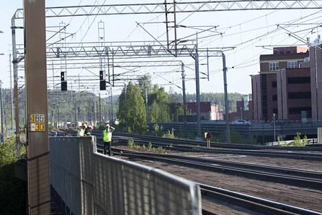 Pääradan kehittäminen on mainittu hallitusohjelmassa. Tällä hetkellä Tampereen ja Helsingin välinen rataosuus on hyvin ruuhkainen.