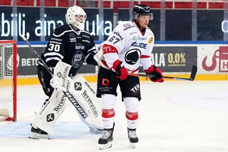 Ässät (Jasper Lindsten) ei matkaa enää joulukuussa Turku-halliin TPS:n vieraaksi.