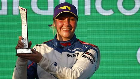 Emma Kimiläinen juhli kakkossijaansa sunnuntain vastaisena yönä Suomen aikaa ajetussa seitsemännessä osakilpailussa.