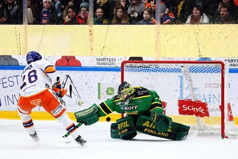Jarkko Malinen sai nimiinsä voittomaalikisan ratkaisun, kun hän ohitti Lukas Dostalin.
