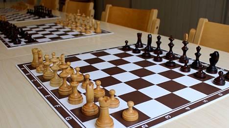 Ellivuori Resortissa tehdään paljon siirtoja viikonloppuna ja ensi viikolla, kun paikalla pelataan SM-kilpailut yleisessä, naisten ja veteraanien sarjoissa.