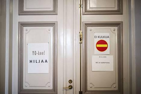 Ida Koskinen toivoo, ettei ylioppilaskirjoituksista puhuttaisi aina niin vakavaan sävyyn.
