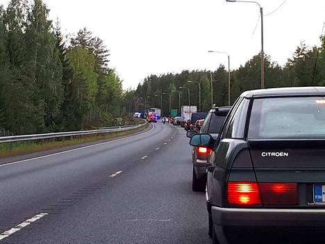 Ysitiellä sattui elokuussa 2018 vakava onnettomuus, kun henkilöauton kuljettaja kuoli Kangasalla ajauduttuaan rekan keulaan.