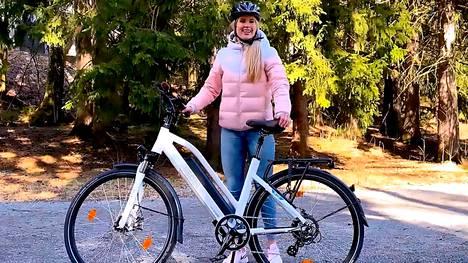 Sähköpyörällä polkee mukavammin, pidemmälle ja nopeammin kuin perinteisellä polkupyörällä.