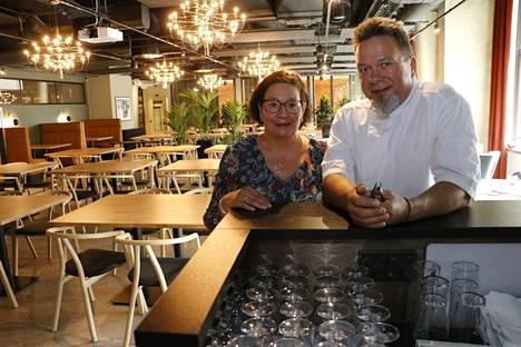Annina ja Petri Kerkkänen avaavat uuden lounas- ja tilausravintolansa keskiviikkona 4. elokuuta Kauppaseuran talossa.