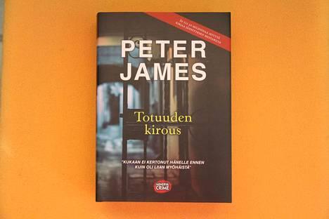 Peter James: Totuuden kirous, Minerva 2020, 530 sivua.