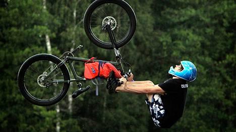 Ulvilassa ei pyöräillä vastaisuudessa niin kosteissa merkeissä kuin järvihyppelyn MM-kisoissa takavuosina. Pyöräilykivaa on läjitysalueelle kuitenkin luvassa.