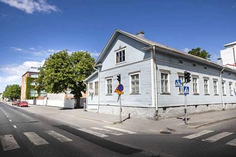 Porin ruotsalainen koulu aikoo laajentaa kampustaan Mikonkadun ja Eteläpuiston risteyksen tonteilla.