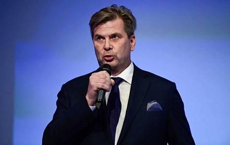 SM-liigan puheenjohtaja Heikki Hiltunen myöntää palkintorahojen vaisuuden.