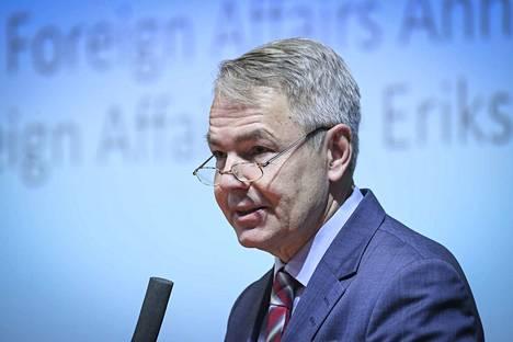 Ulkoministeri Pekka Haavisto (vihr.) sanoo, että EU pitää kiinni Turkin ja EU:n välisestä pakolaissopimuksesta.