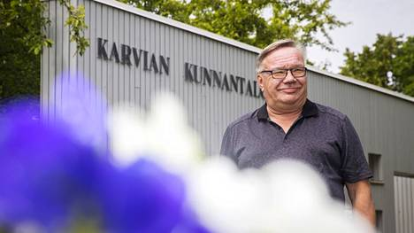 Kuntaliitossa selvitetään, onko näin kauan kunnalliselämässä yhtäjaksoisesti vaikuttaneita ihmisiä Suomessa kymmentäkään. Melkein varma on, että karvialainen Voitto Raita-aho kuuluu TOP 10:n joukkoon.