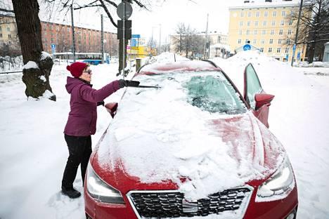 Ritva Vainio ei uskaltanut sulkea autonsa ovea, jotta avaimet eivät vain jäisi sisälle, eikä ovia saisi enää auki.