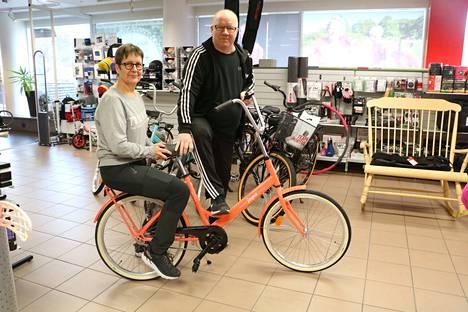 Team Sportia Kankaanpää on aikaistanut polkupyörien tilauksia tynkätalven takia. Kauppiaat Birgit ja Petri Haapala katsovat luottavaisina eteenpäin, vaikka tammikuussa kokonaismyynti notkahti toistakymmentä prosenttia.
