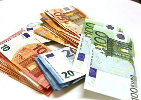 Mikko Kosonen pitää selvänä, että 100 miljoonaa euroa on iso raha. Summan irrottaminen vaikuttaa Kososen mukaan Sitran toimintaan, mutta hallitusti.
