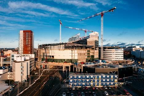 Tampereen keskustaan nouseva Uros-areena on vuoden 2022 jääkiekon MM-kisojen päänäyttämö