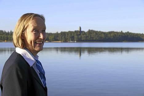 Hanna-Leena Laihosen suosikkipaikkoja on taustalla häämöttävä Kultaranta.