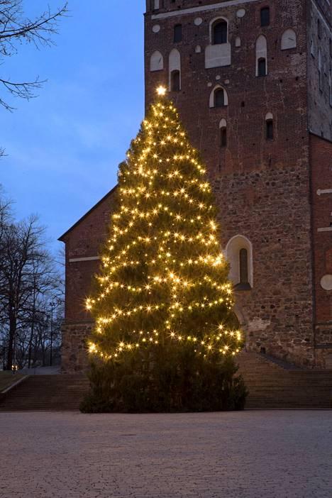 Turun kuusi on usein pistänyt hyvin kampoihin Tampereen kuuselle, mutta nyt Turku jäi kauas taakse. Toinen sija kuitenkin.