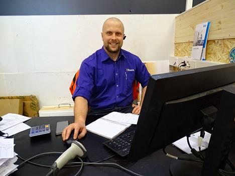 Nokian K-Raudan uusi kauppias Antti Valkeapää on toiminut kaupan alalla noin 20 vuotta.