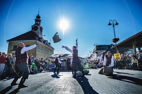 Pitsiviikkoa vietetään heinäkuussa Raumalla 51. kerran kesäisen kulttuurin äärellä ja oikeissa yleisötapahtumissa, jos koronarajoitukset vain sallivat.