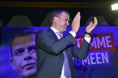 Kokoomuksen puheenjohtaja Petteri Orpo päässee juhlimaan myös eurovaalien tulosta, mikäli HS-gallupin lukemat pitävät kutinsa.