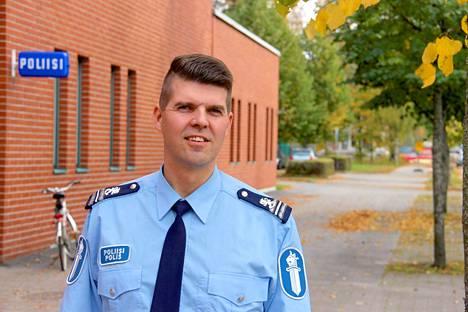 Kankaanpään poliisin rikoskomisario Jouni Uusitalo muistuttaa, että epäilyttävistä liikkeistä tai merkeistä kannattaa rohkeasti ilmoittaa poliisille.
