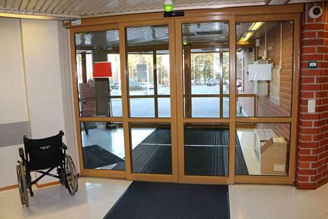PoSa:n ovet ovat käyneet viime aikoina tiuhaan tahtiin. Erityisesti aikuis- ja perhepalvelujen puolelta on irtisanoutunut huomattava määrä työntekijöitä.