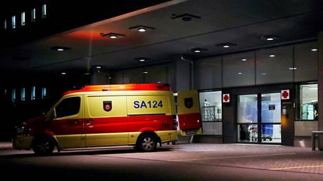 Hätäkeskus sai vappuaattona Porissa ilmoituksen tajuttomista 20–30-vuotiaista nuorista, jotka poliisin mukaan olivat todennäköisesti nauttineet lakka-huumausainetta. Kuvituskuva.