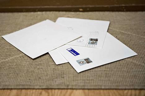 Lukija ihmettelee Postin toimintaa. Arkistokuva.