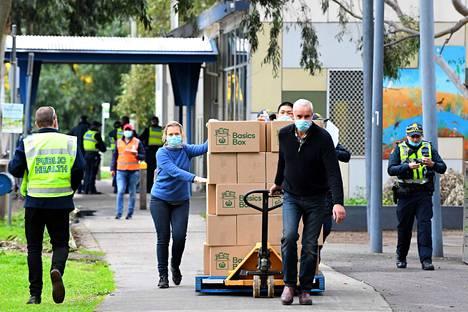 Yli 6,6 miljoonan asukkaan Victoriassa todettiin maanantaina 127 uutta koronavirustartuntaa.