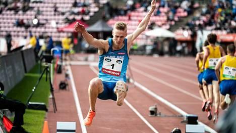 Kristian Pulli kilpaili Ruotsi-maaottelussa Ratinassa syyskuun alussa.