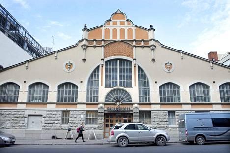Mies kertoo, että hänen lompakkonsa yritettiin varastaa Tampereen Kauppahallissa.