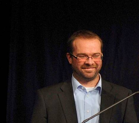 Suomen Kuvalehden päätoimittaja Ville Pernaa irtisanoutui 31. joulukuuta 2019.