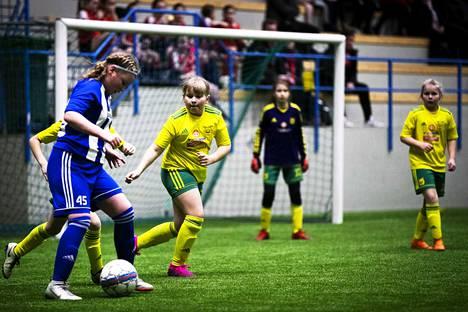 Tampereen Messu- ja Urheilukeskuksen C-hallissa pelataan viikonloppuna yli 70 ottelua.