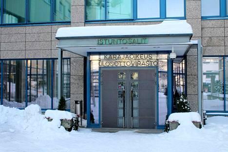 Hallin varuskunnassa työskennellyt upseeri tuomittiin ehdolliseen vankeuteen Keski-Suomen käräjäoikeudessa.